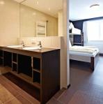 Zimmer + Bad Buchegg Resort